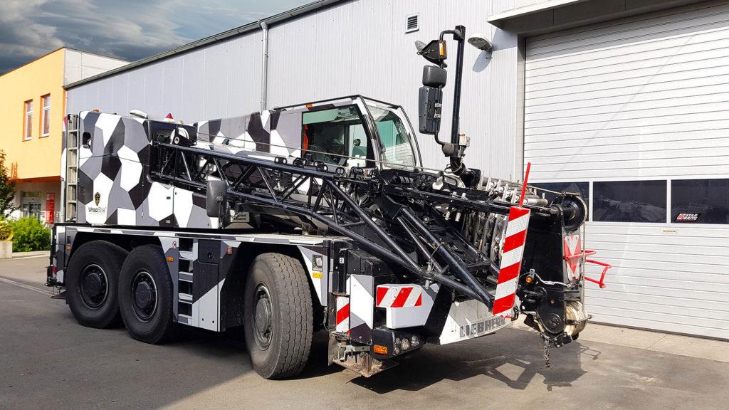 Autojeřáb LTM-1055